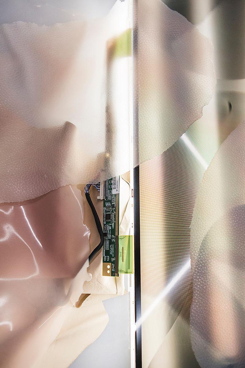 14. Thierry Fournier, Nude (détail), 2017, Aube immédiate, vents tièdes, vue d'exposition, Mécènes du Sud Montpellier-Sète, 2019, image: Elise Ortiou Campion