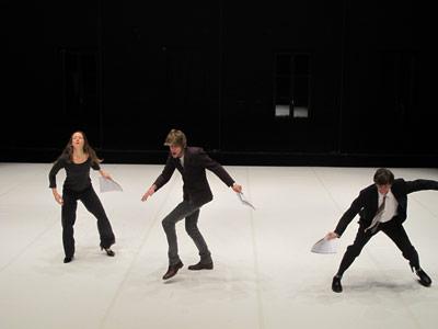 Après Avignon, Le Cabaret Discrépant d'Olivia Grandville se produit à Versailles