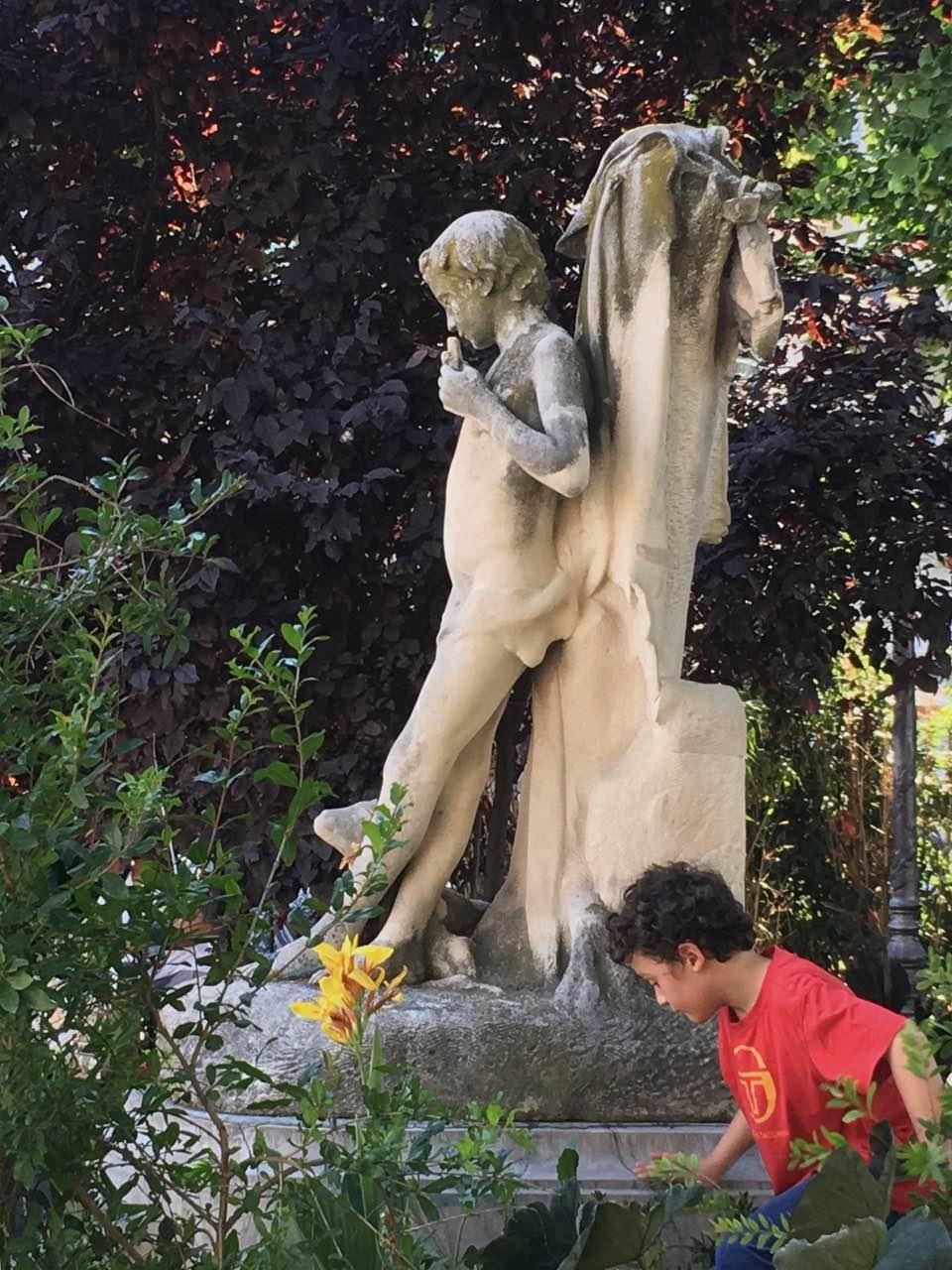 GABRIEL DESPLANQUE - Les restes de l'enfant à la flûte de pan